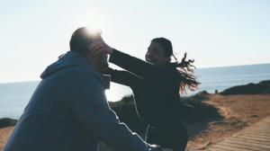 video-de-boda-en-la-playa-de-roche-conil-cadiz-preboda-drone-11